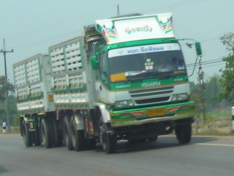 Isuzu coupled trailer In Thailand