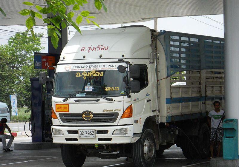 Chaiyaphum: Truck's sudden U-turn kills 3yo girl