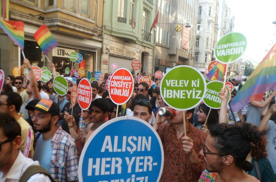 Turkish police crack down on gay pride march in Istanbul