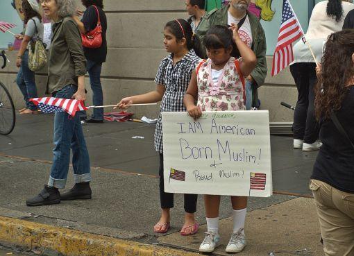 Muslim children supporting the Ground Zero Mosque