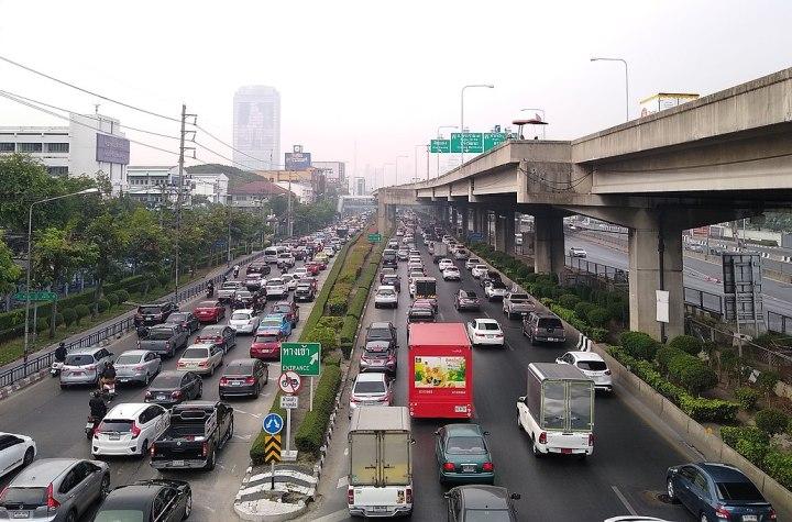 Vibhavadi Rangsit Road in Bangkok and the elevated Don Mueang Tollway