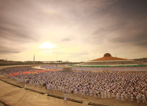 Monks at Wat Phra Dhammakaya Temple in Pathum Thani