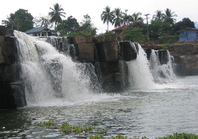 Phang Nga waterfall closes to tourists after heavy rain