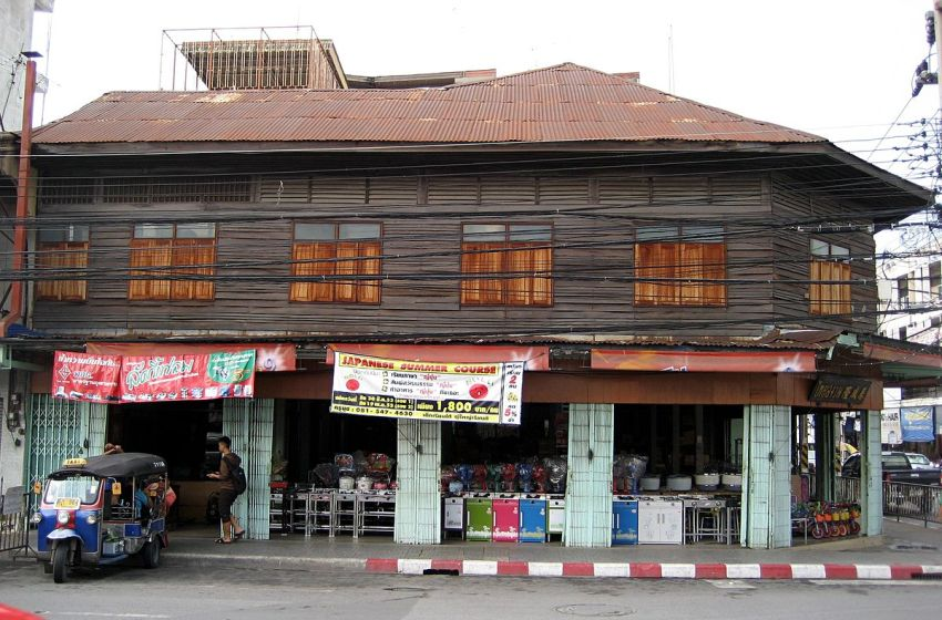 Wooden house in Korat, Nakhon Ratchasima province