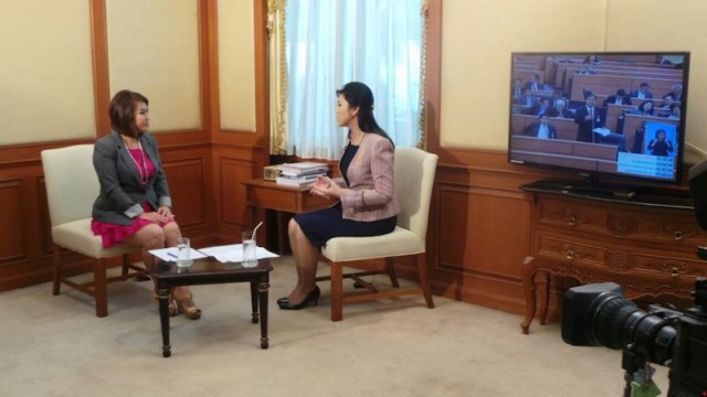 Yingluck warns PM against cracking down on junta critics