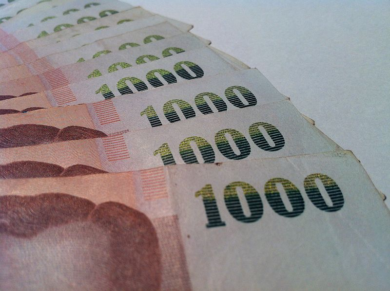 1000 THB banknotes