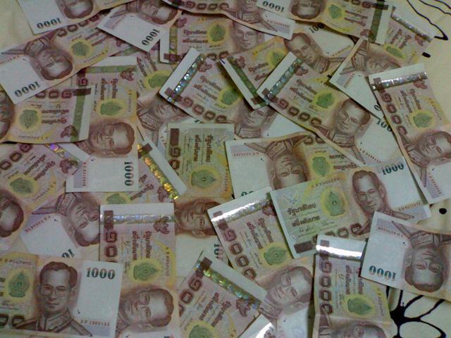 10 arrested in VAT fraud scheme