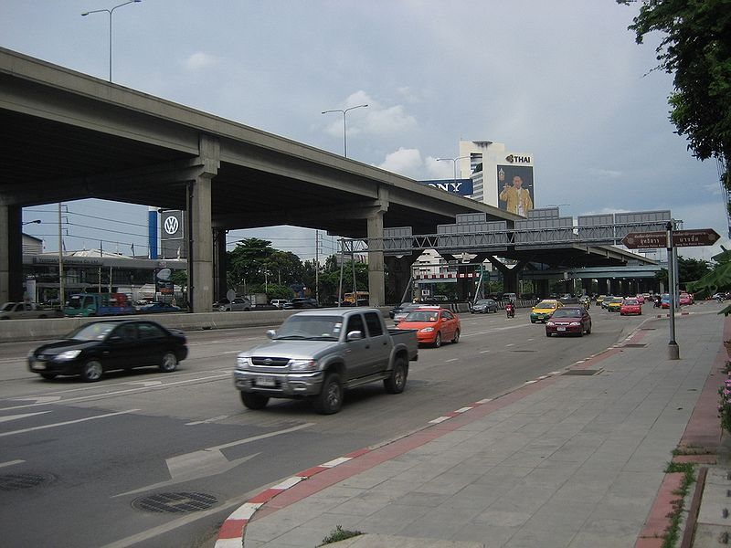 Vibhavadi Rangsit Road and Don Mueang Tollway in Bangkok