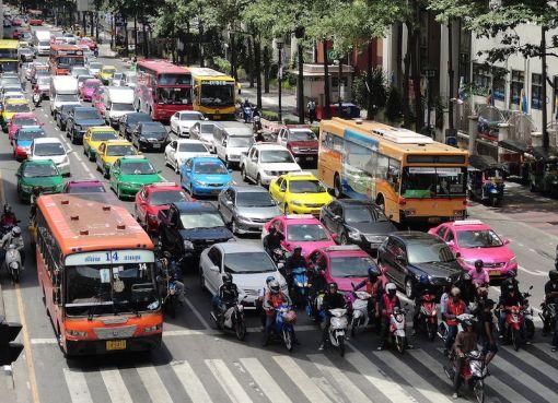 Traffic in Ratchadamri Road, Bangkok