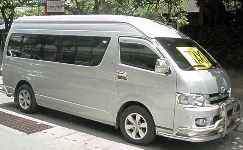 Passenger van-truck accident in Bangkok, 8 killed, 4 injured