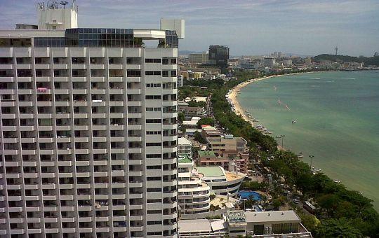 Wong Amat beach, Pattaya with city skyline