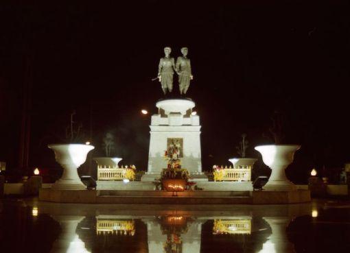 Phuket Heroines Monument