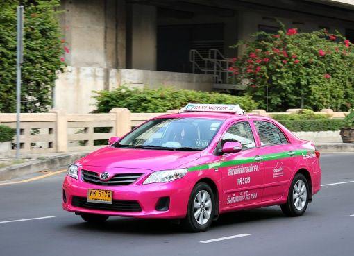 Pink taxi-meter in Bangkok