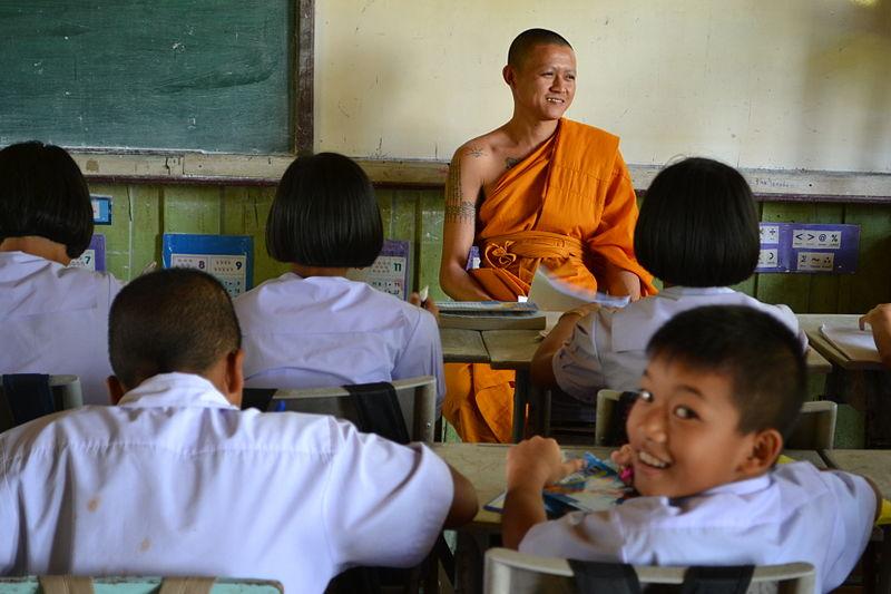 Students in Ban Hua Hat School