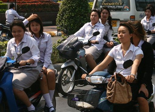 Students on Huay Kaew Road