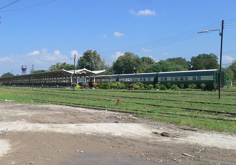 Korat: Man sleeping by tracks hit in head by train