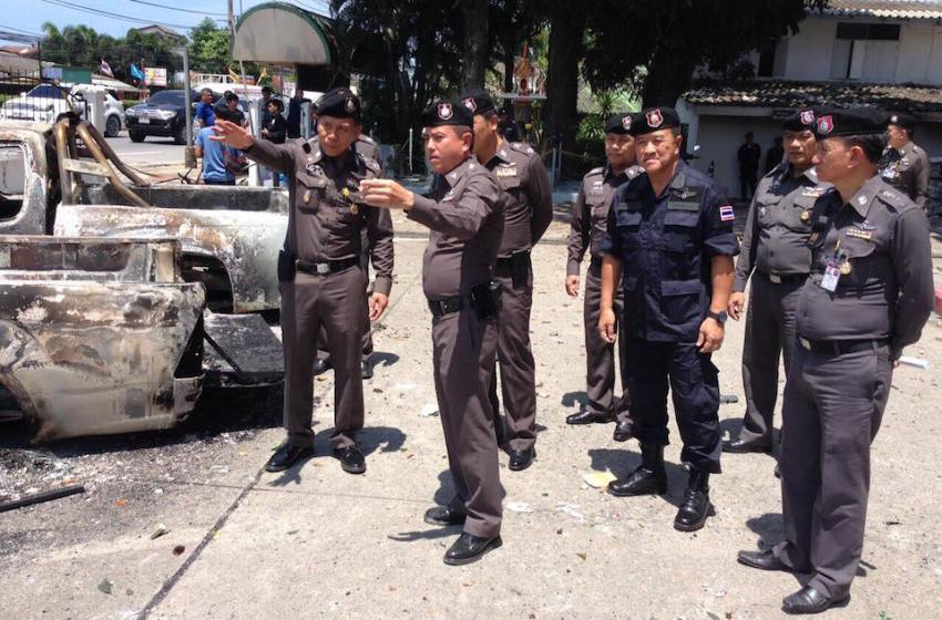 Several parked vehicles set on fire in Chon Buri