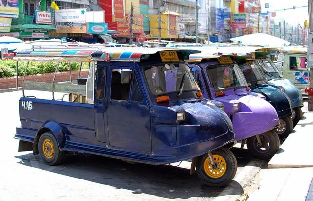 Girl killed by tuk-tuk driven by her mother