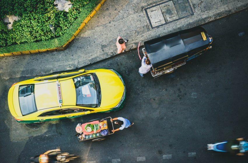 Porsche Boxster 987 Taxi in Bangkok (Video)
