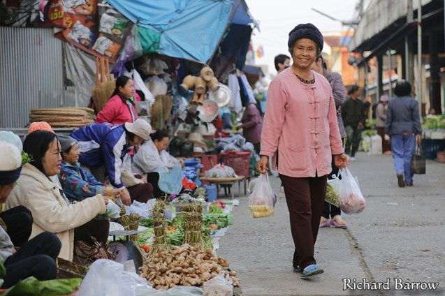 Morning Market in Pua