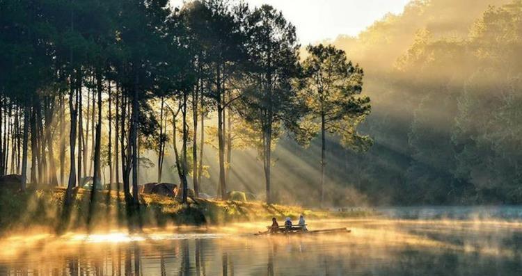 Pang Ung Lake