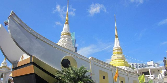 wat yannawa boat temple