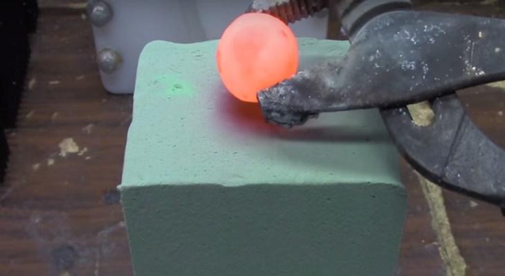 ลูกโลหะนิกเกิลร้อน การทดลองวิทยาศาสตร์ RHNB