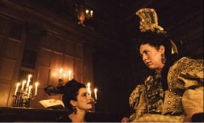 映画『女王陛下のお気に入り』の一場面