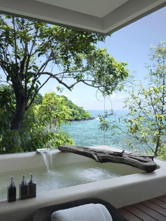 Koupelna s luxusním výhledem Song Saa Kambodža