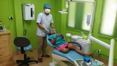 Nicol jsem vzal k zubaři a zkontroloval postub léčby HIV