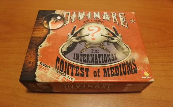 La boîte du jeu Divinare
