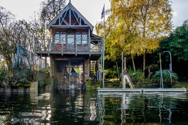 17. Teddington Boathouse.