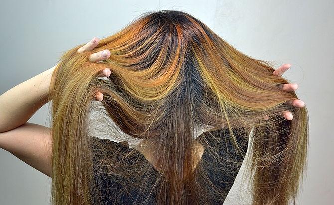 5 طرق مختلفة لعمل الشعر المموج بالصور في البيت