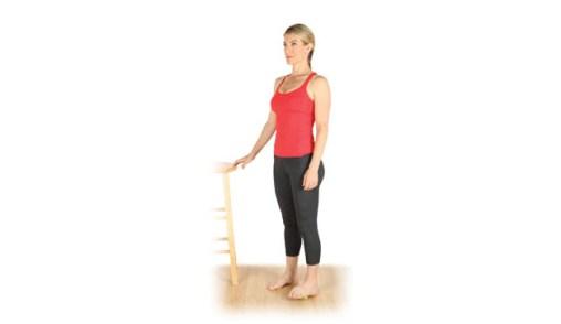 إستخدام كرة التنس في تخفيف ألم العضلات 3