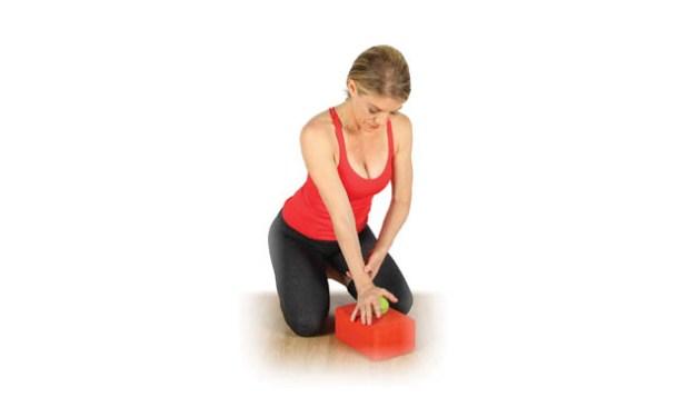 إستخدام كرة التنس في تخفيف ألم العضلات20