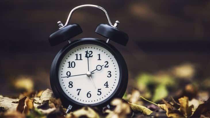 موضوع تعبير عن الوقت وأهميته في حياة الفرد والمجتمع