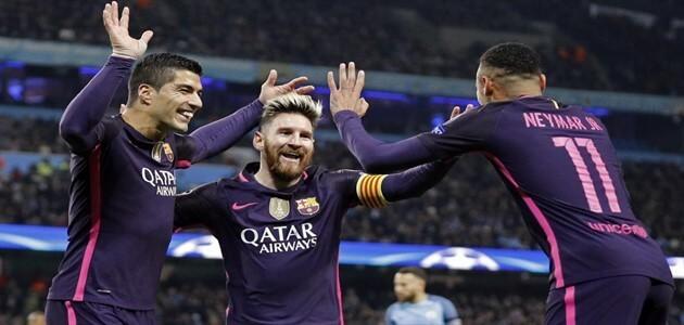 أسماء أشهر لاعبي كرة القدم