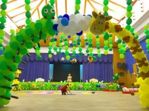 Customised Balloon Safari Arch