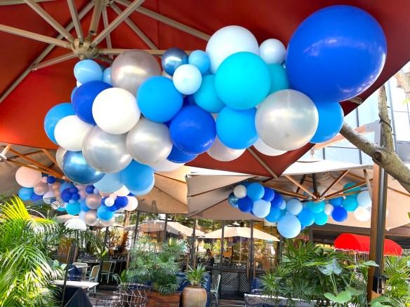 Organic Balloon Decoration Outdoor Restaurant