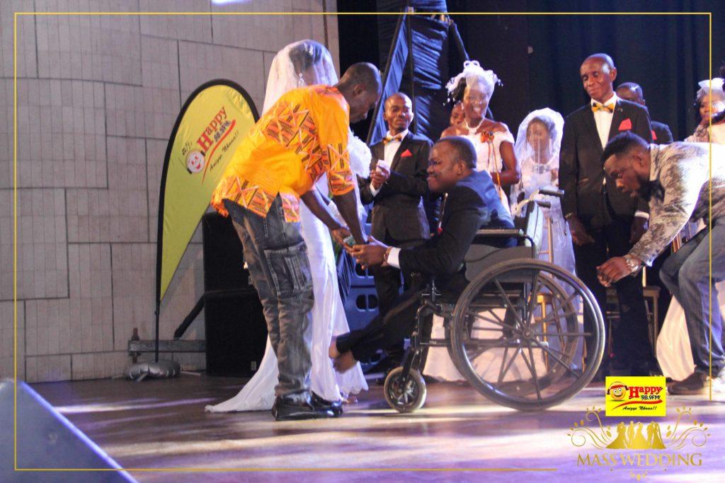Man In Wheelchair Marries Girlfriend