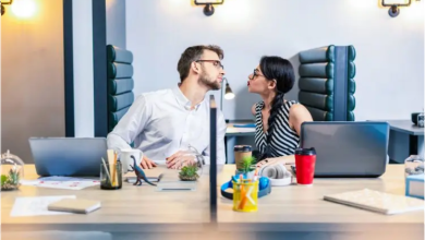 Workplace romance, Should you ever date a co-worker or hook up with your boss