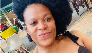 Zodwa Wabantu gets licked on her private parts by male fans