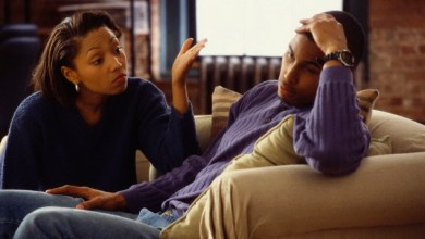 10 Early Signs That Your Lover Will Break Your Heart
