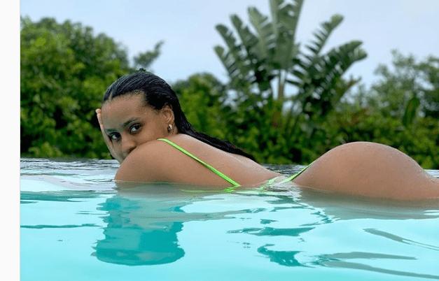 Cassper Nyovest wife's booty leaves men drooling
