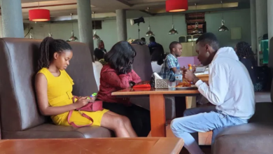 Man leaves his girlfriend to starve after she tagged along with a friend on a date