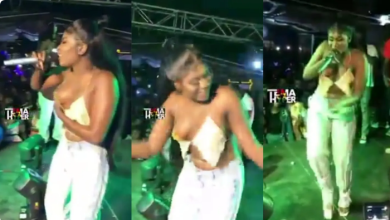 Watch The Moment Yaa Jackson's 1000 Cedis Top Fell Off During A Stage Performance (+VIDEO)