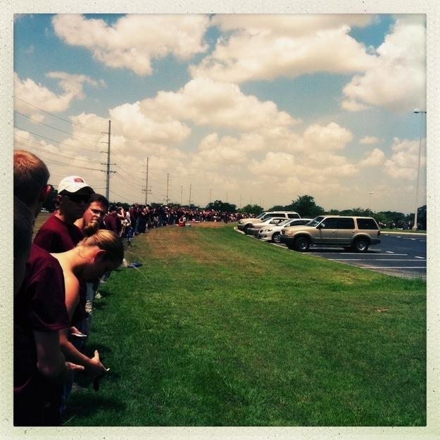 Students block Westboro Baptist Church
