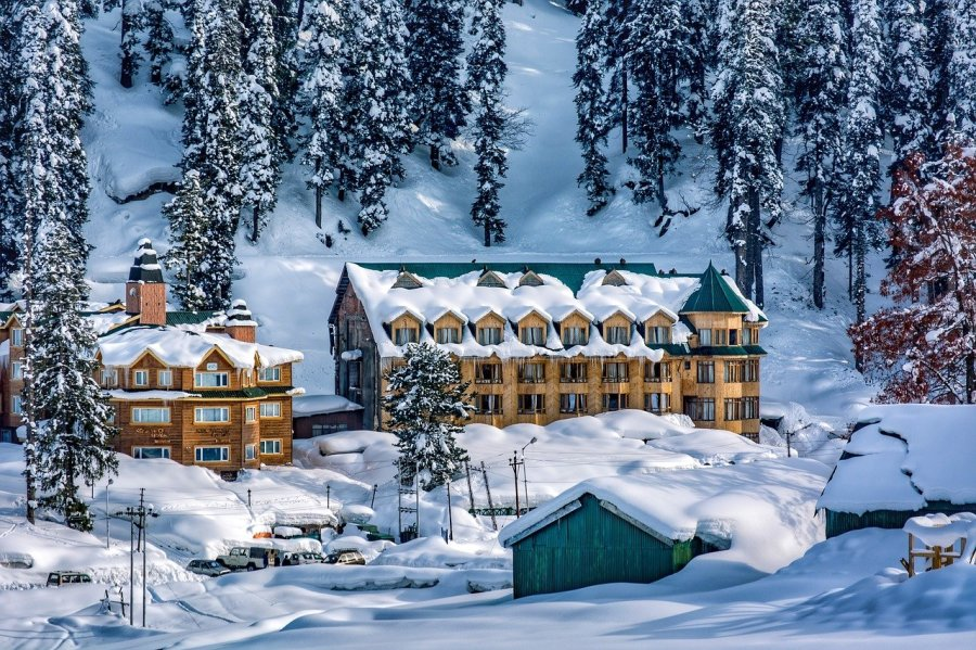 Snow Tourist Secret place to visit in India in summer