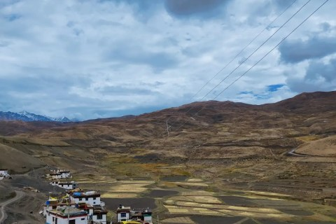 Essential items to pack on spiti road trip