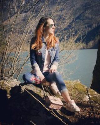 Recreation denim and flower embroidery outfit – walk at the lake – slowing down
